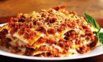 Beneficenza culinaria da un ristorante di Caronno: 200 pozioni di lasagna per chi è in difficoltà