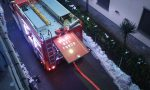In fiamme il tetto di una casa, evacuati gli abitanti