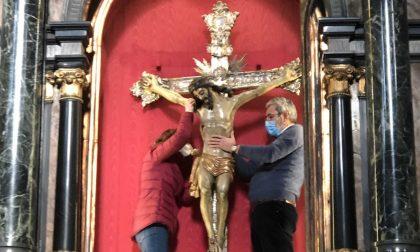 Inizia il restauro del crocifisso della prepositurale dei Santi Pietro e Paolo di Saronno