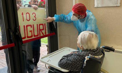 Nonna Paola festeggia 103 anni nella casa di riposo