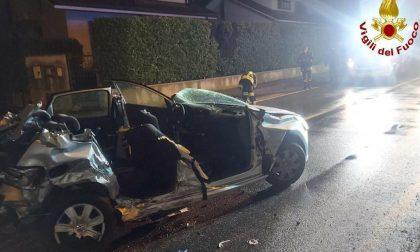 Cogliate: scontro tra due auto, 19enne in gravi condizioni