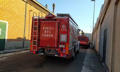 Vigili del fuoco in una ditta di Gorla Minore