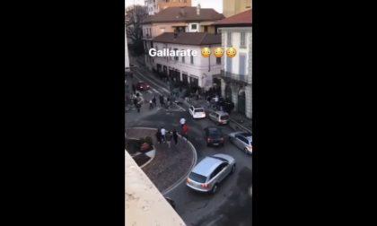 Maxi rissa a Gallarate: scontro fra giovanissimi, un 14enne in ospedale VIDEO