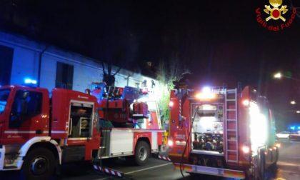 Incendio in un appartamento di Caronno, due bambini ricoverati