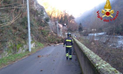 Frana a Maccagno: sono al lavoro i Vigili del fuoco col supporto di squadre speciali