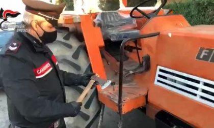 In sella al trattore armato di accetta per 80km: voleva andare a uccidere l'ex moglie VIDEO