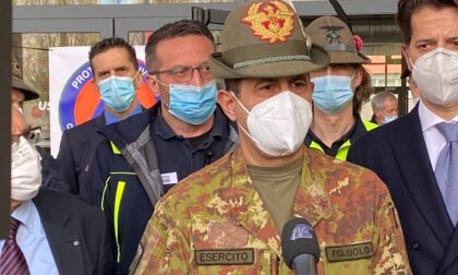 """Il generale Figliuolo a MalpensaFiere: """"Esempio di buona pratica. Da domani arriva il sistema di Poste"""""""