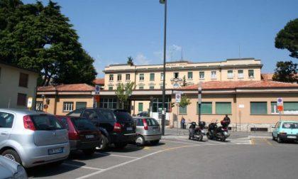 """Stop vaccini all'ospedale di Cantù, il sindaco scrive ad Ats: """"Chiedo risposte certe"""""""
