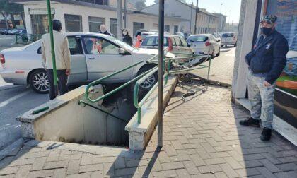 Malore alla guida, si schianta contro il sottopasso della Varesina a Gerenzano