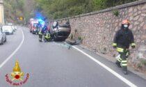 Incidente in viale Valganna, auto ribaltata