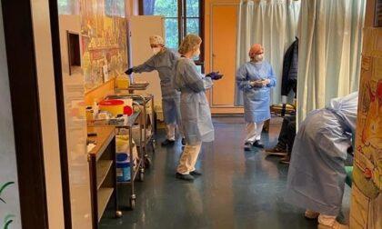 Prima domenica di vaccini per i pazienti oncologici al Day Hospital di Saronno