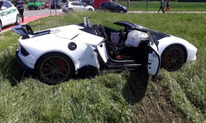 Si schianta con la Lamborghini a Lonate, le foto dell'incidente