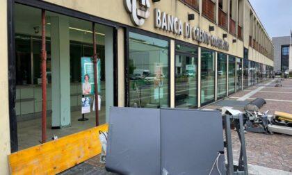 Bancomat strappato dal muro, ladri rimasti a bocca asciutta