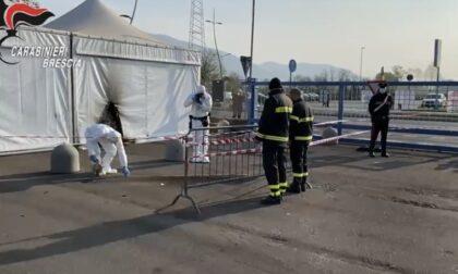 Molotov contro il centro vaccinale di Brescia: in carcere due no vax
