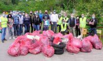 Montagna di rifiuti raccolta nella Giornata del Verde Pulito di Lazzate