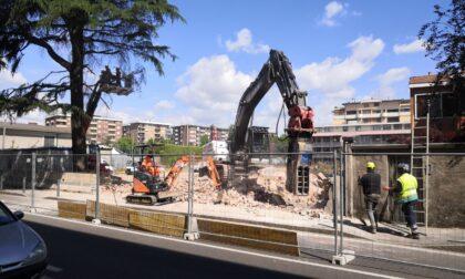 Ruspe in via San Francesco a Saronno: lì sorgerà un nuovo supermercato