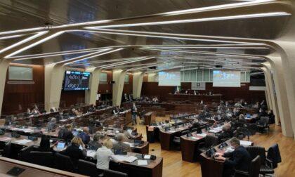 Bocciati gli emendamenti Pd: niente fondi per la provincia di Varese, il Galmarini e i medici di base