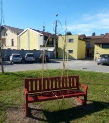 """Panchina rossa di Origgio, appuntamento per parlare di """"Donne e lavoro"""""""
