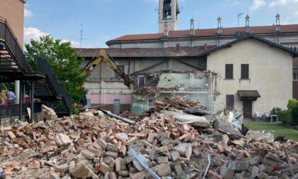 Al via la demolizione dello storico cine- teatro parrocchiale
