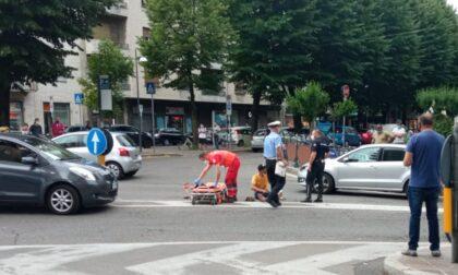 Tamponamento a catena, investito sulle strisce di piazza San Francesco