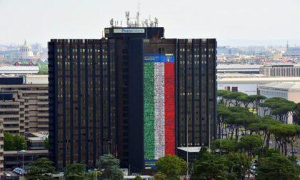 Iniziano gli Europei: Poste festeggia con un francobollo dedicato e una bandiera record di 60 metri
