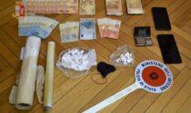 Persona sospetta in via Timavo a Busto: nascoste in auto 47 dosi di coca