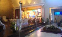 La comunità di Regina Pacis dà l'ultimo saluto a don Pasquale Colombo