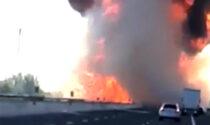 Esplode un camion cisterna pieno di gpl sull'Autostrada del Sole, due morti