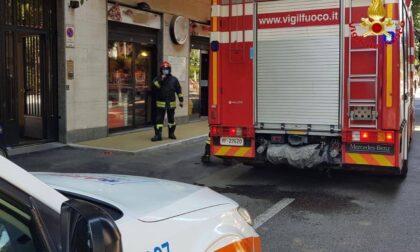 Resta incastrato con la mano in un macchinario, arrivano i Vigili del fuoco
