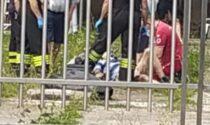 Anziano cade vicino al capannone a Rescaldina, arrivano ambulanza e pompieri