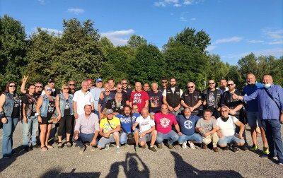 Cena di solidarietà davanti alla Gianetti, arrivano anche i bikers