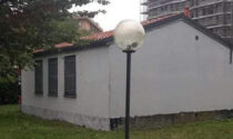 Mano di bianco sugli spogliatoi di via Da Vinci: via i graffiti (nuovi) dei Telos