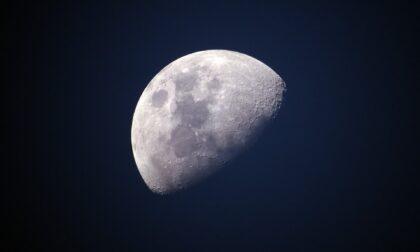 Sguardi al cielo: domani la Luna Blu (che no, non cambierà colore)