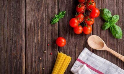 """Svolta patriottica a tavola: gli italiani scelgono sempre di più prodotti """"Made in Italy"""""""