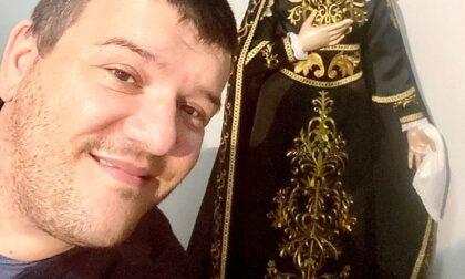 Una Madonna Addolorata esposta in chiesa