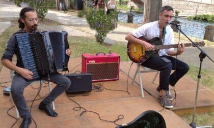 Sabato tra swing e manouche, il duo Centolanza - Forte in concerto a La Tela di Rescaldina