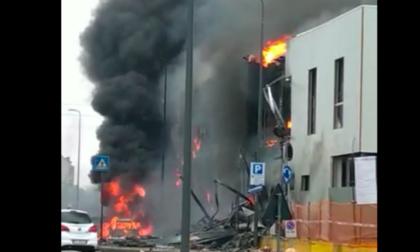 Precipita un aereo in via Marignano, morte otto persone