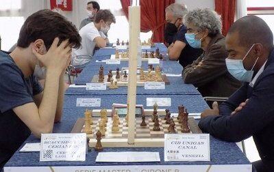 Gli scacchisti di Ceriano ai play-off per il titolo nazionale: sono la settima squadra d'Italia
