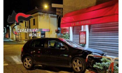Misintese ubriaco si schianta contro il marciapiede, denunciato